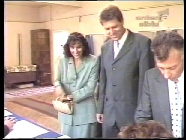 Carmen Iohannis, imagini mai puțin știute. Cum arăta prima doamnă în tinerețe. Galerie foto