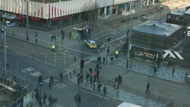 Un român a reuşit să alarmeze un cartier întreg din Londra, după ce și-a parcat mașina. Zona a fost evacuată imediat. VIDEO