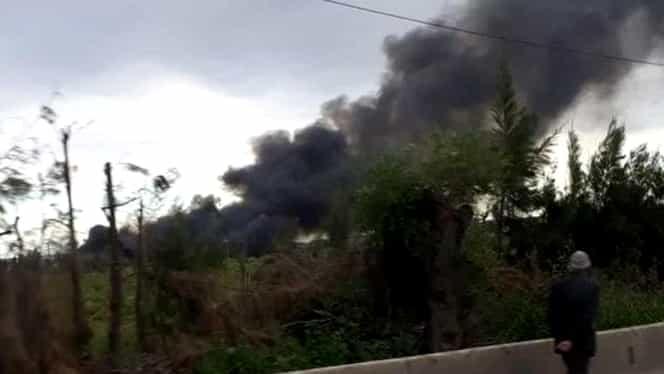 Video+foto. Un avion cu 200 de pasageri la bord s-a prăbuşit! Cel puţin 100 de oameni au murit