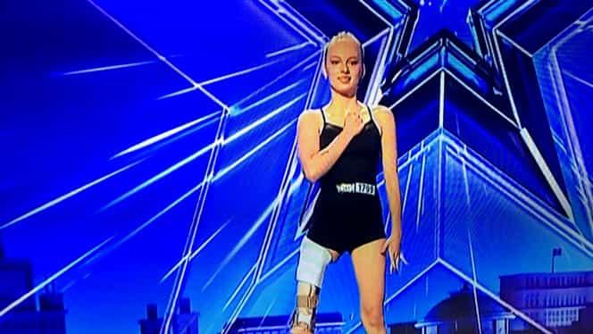 Florin Călinescu, fără cuvinte în fața Emmei Neagu, gimnasta bolnavă de cancer care a venit la Românii au Talent cu piciorul amputat