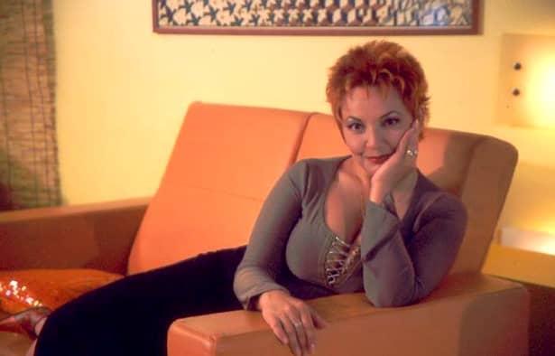 Vă mai amintiţi de Mihaela Tatu? Cum a ajuns să arate şi din ce îşi câştigă banii, la 7 ani de când nu mai apare la TV