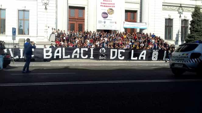 Ce scrie pe crucea lui Ilie Balaci. Detaliul care a fost observat de cei prezenți la înmormântare