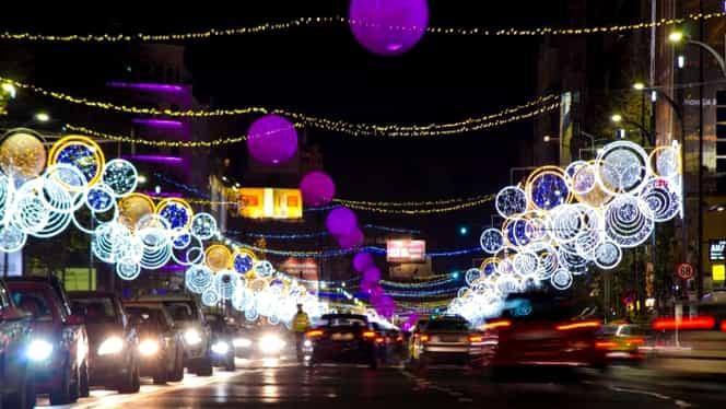 Când se aprind luminițele de Crăciun în București. Vor fi 10 milioane de LED-uri desfășurate pe aproape 1.000 de kilometri