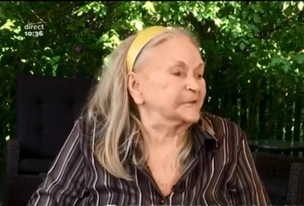 Zina Dumitrescu este consideră o adevarăta legendă în moda românească, reușind să-și clădească un nume în domeniu înca din perioada dinainte de 1989.