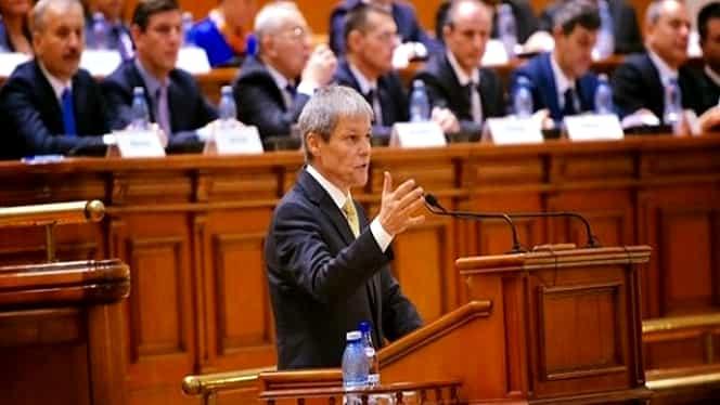 Guvernul Cioloş ar putea AMÎNA majorarea salariilor bugetarilor