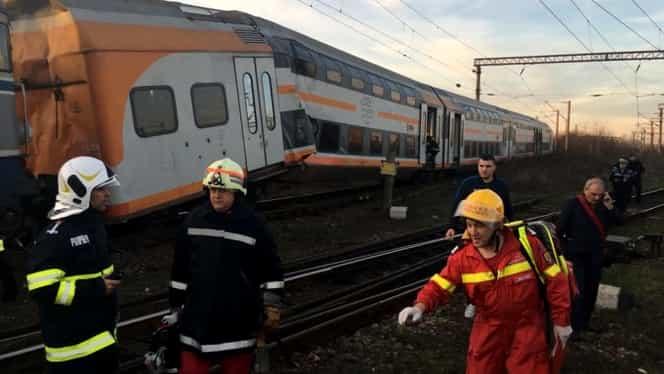 """Un călător din trenul lovit de un marfar la Ploiești dezvăluie ce s-a întâmplat: """"Era vagonul bușit. Multă lume țipa"""""""