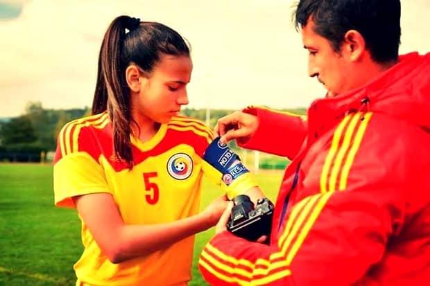 """Sexy """"tricolora""""! Teo Meluţă, jucătoarea de la naţionala feminină de fotbal care visează la EURO"""