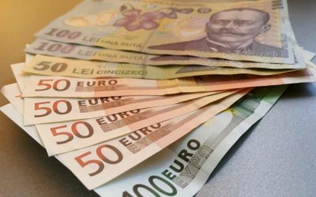 Curs valutar de 7-8 lei pentru un euro! Ce spune Mugur Isărescu