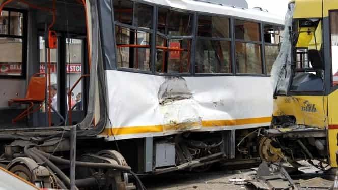 Accident grav de tramvai în Capitală! Au fost semnalate mai multe victime!