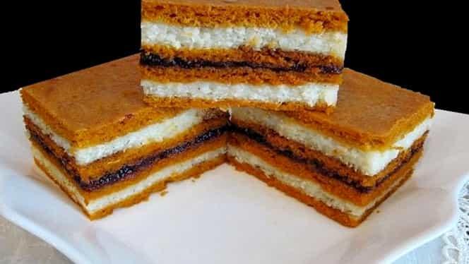 Rețeta zilei de vineri, 3 aprilie! Prăjitura cu bulion și griș, un răsfăț ideal pentru zilele de post