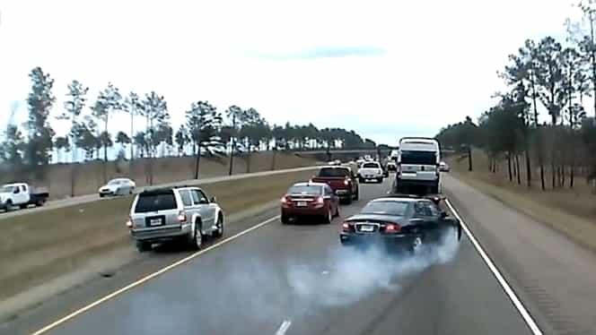 VIDEO care îți poate salva viața! Cum poți opri orice mașină în doar 8 secunde, dacă rămâi fără frâne