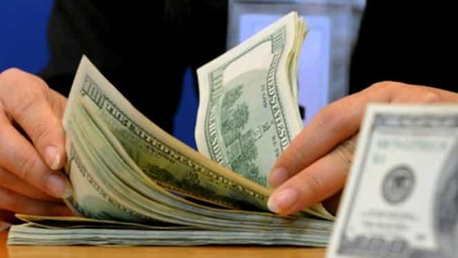 Dolarul bate record după record la BNR. Moneda americană, la un nou maxim istoric