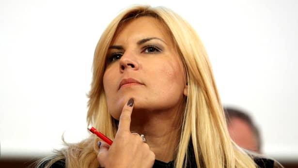"""Deși este arestată în Costa Rica, unde e fugită de mai bine de jumătate de an, Elena Udrea face bani frumoși în continuare în România. Vă reamintim că fosta consiliere a lui Traian Băsescu a fost condamnată la 6 ani de închisoare în dosarul """"Gala Bute""""."""