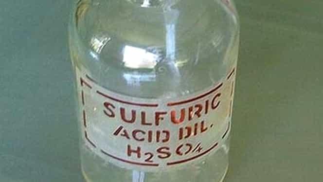 Ieșeanul de 61 de ani stropit cu acid sulfuric în față, confundat cu o…adolescentă