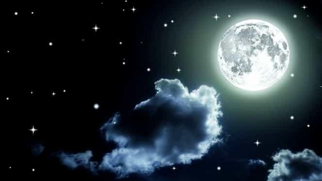 Cum arată fazele lunii în octombrie. Va fi lună plină timp de 3 zile