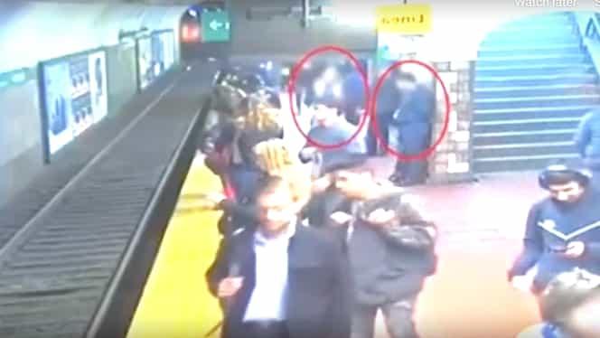 Momente dramatice în Argentina! Un călător a leșinat la metrou și a împins o femeie pe șine. Video
