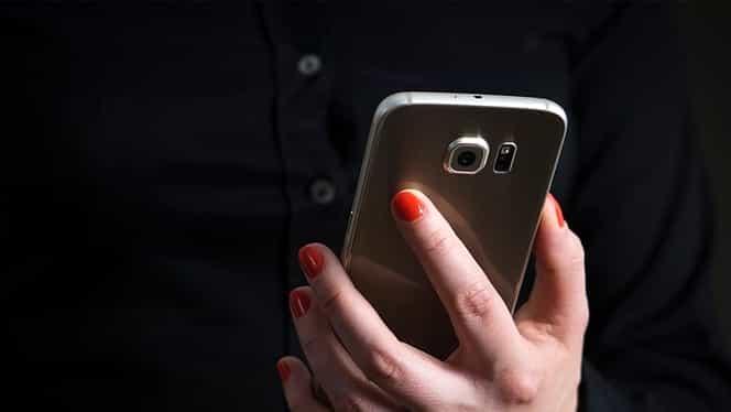 Cel mai periculos virus pentru telefoane! Incredibil ce păţesc telefoanele virusate!