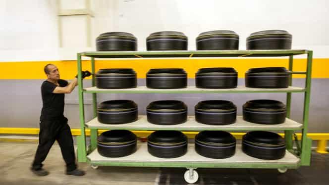 Două containere pline cu anvelope, expediate din Australia, descoperite în Portul Constanţa Sud – Agigea
