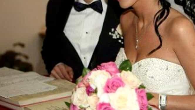 Ce divorţ! Şi-a părăsit soţul pentru amantul de 18 ani iar acum îşi vinde rochia de mireasă pe Mercador