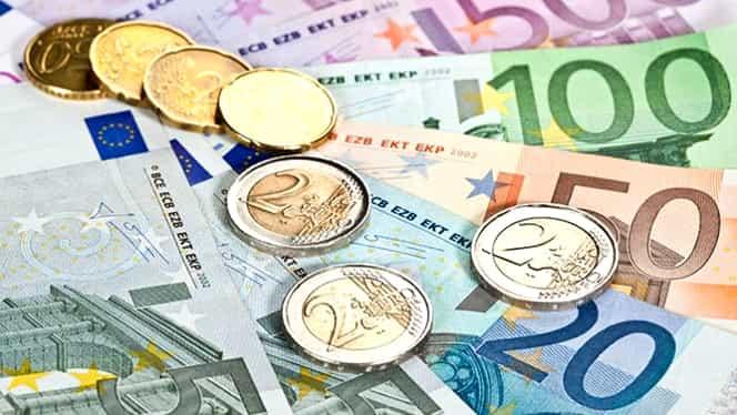 Veste bună pentru românii din afara țării: Vor putea trimite bani acasă mai ieftin