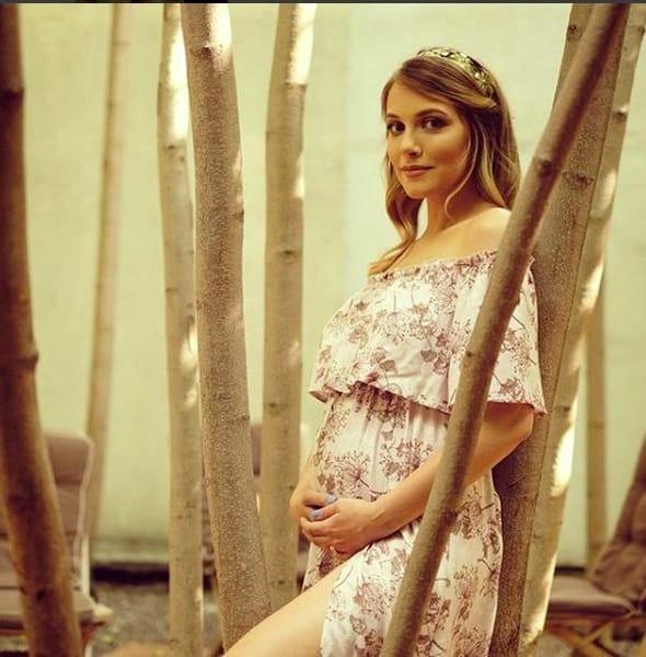 Andreea Ibacka însărcinată cu o fetiță
