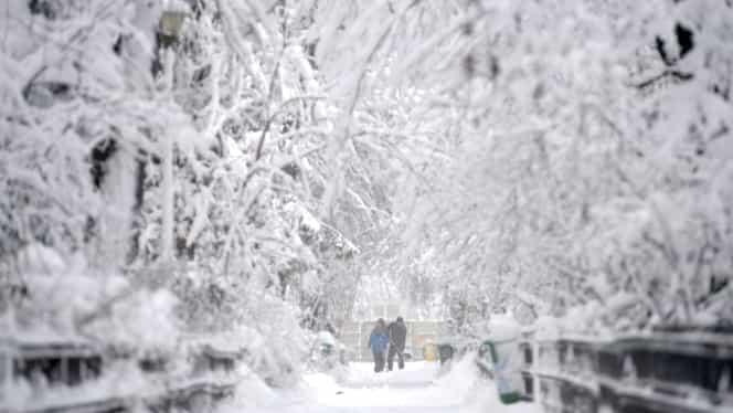 Când vine iarna în România! Meteorologii au anunțat primele ninsori