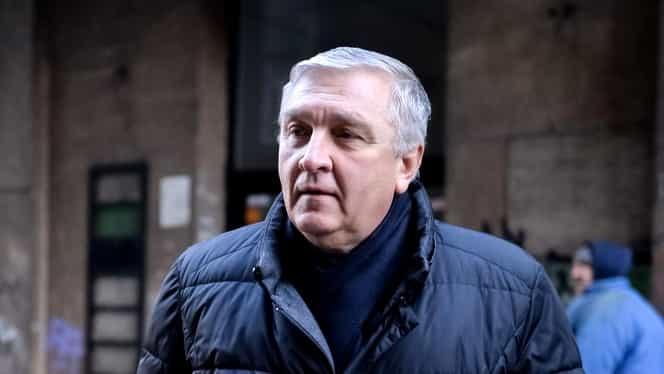 Medicul Mircea Beuran, dus la Tribunalul București pentru prelungirea arestului la domiciliu. Profesorul este acuzat de luare de mită
