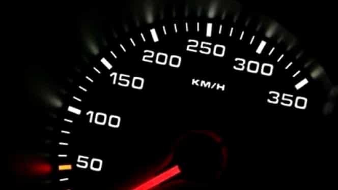 Ai impresia că nu circuli cu viteza indicată de vitezometru? Ai dreptate!