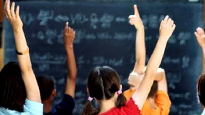 Structura anului școlar 2019-2020 conține multe schimbări! Școala începe mai devreme, iar o vacanță a fost eliminată