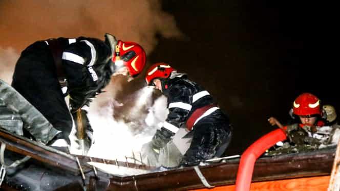 Incendiu devastator, în sectorul 4 din Capitală! Șase case au fost distruse. Imagini cumplite