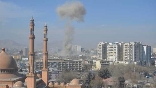Tragedie la Kabul! 40 de morţi în urma unei explozii revendicate de talibani