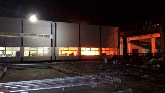Avertizare Ro Alert după ce un incendiu a avut loc la Fabrica de Electromontaje din București