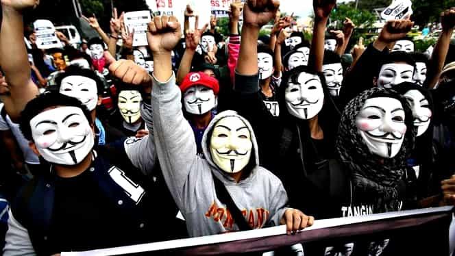"""Donald Trump, ameninţat de hackerii Anonymous: """"Declanşăm un război total"""""""