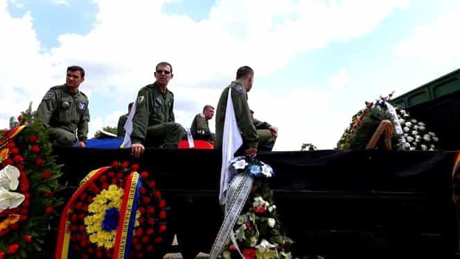 Pilotul Florin Rotaru a fost înmormântat la Fetești! A lăsat în urmă doi copii