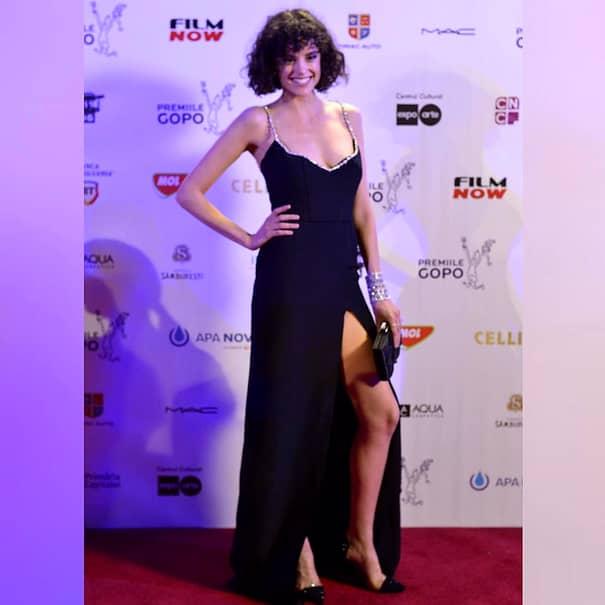 Diana Sar, actriţa din filmul VLAD, a fost damă de companie într-un rol nou. FOTO