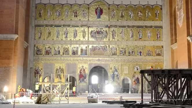 Imagini pentru poza catedrala mantuirii neamului
