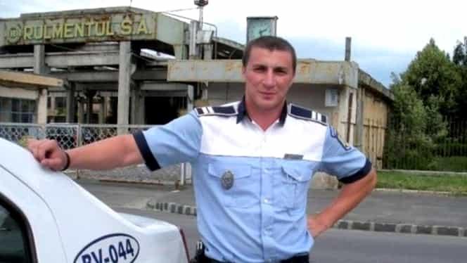 """Poliţisul Marian Godină, intrigat după ce a văzut un autobuz plin cu călători, la ora 7:30, în Braşov. """"Ce treabă urgentă aveau la ora aia…habar nu am"""""""
