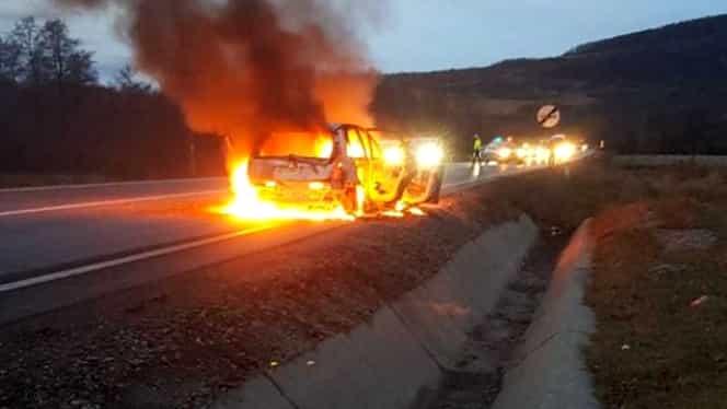 Trafic înfiorător pe DN1! Între Brașov și Făgăraș a luat foc o mașină