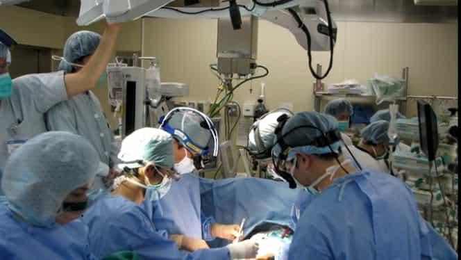 Unui pacient din China, bolnav de coronavirus, i s-au transplantat doi plămâni. Soluţia ar putea fi folosită pe scară largă