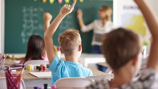 """Profesoară de engleză cercetată pentru că a predat la clasă cuvântul """"foot"""". Ce spune inspectoratul"""