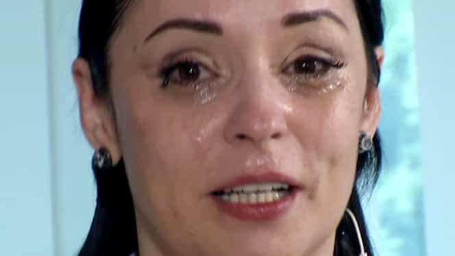 Andreea Marin, operată de 5-6 ori! Nu s-a mai putut abține și a izbucnit în plâns!