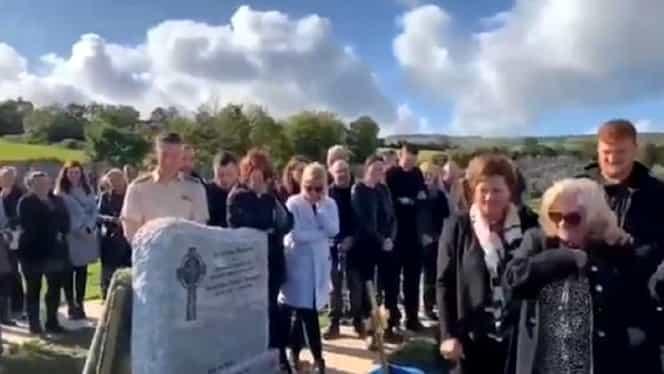 Un bărbat mort și-a făcut rudele să râdă în hohote la propria înmormântare