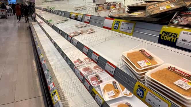 Italienii își fac provizii de mâncare, după apariția coronavirusului! Cum arată un magazin din nordul Italiei! Un român a filmat totul