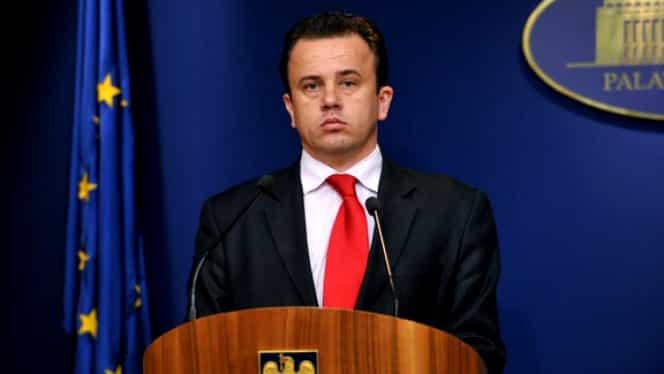PNL şi USR cer demisia lui Liviu Pop, ministrul Educaţiei! Moţiunea va fi dezbătută şi votată astăzi