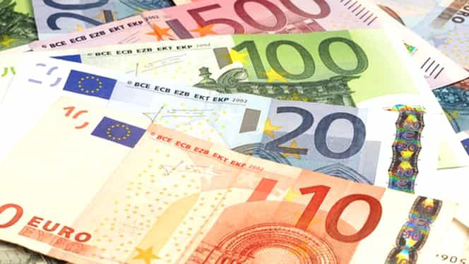 CURS BNR. EURO scade la nivelul minim al ultimelor două săptămîni