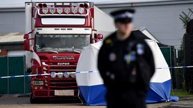 Camion suspect, oprit în Marea Britanie. Nouă imigranți, găsiți în viață