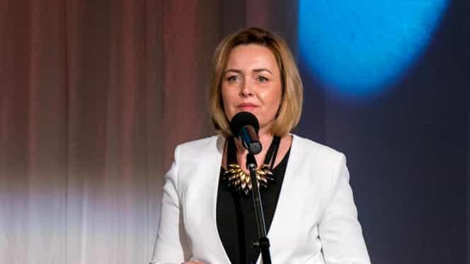 """Ministrul de Interne Carmen Dan a vorbit despre moartea soțului: """"Am rezistat pentru copil!"""""""