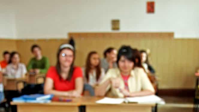 Supărați că au luat note mici, doi elevi din Giurgiu au dat foc la cataloage! Totul s-a întâmplat în toiul nopții