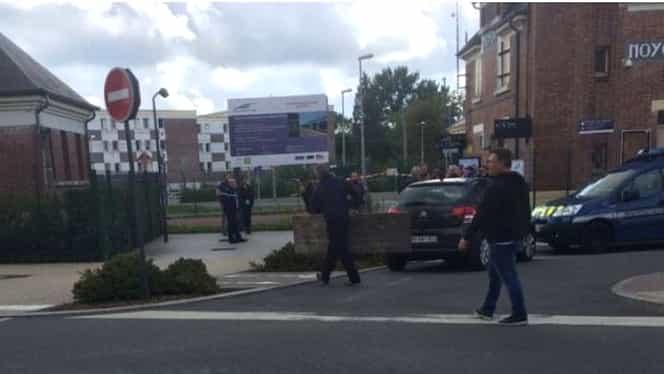 Atac armat într-o gară din Franţa! Doi copii şi mama acestora au fost ucişi