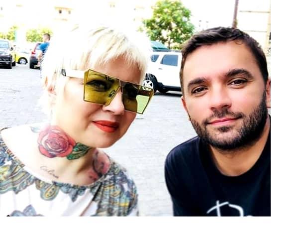 Catinca Roman, un look proaspăt, alături de un tinerel misterios! S-a tatuat și…